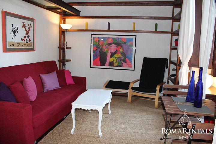 Roma rentals spqr apartment rental trastevere vicolo del cedro characteristic trastevere palazzo sciox Gallery