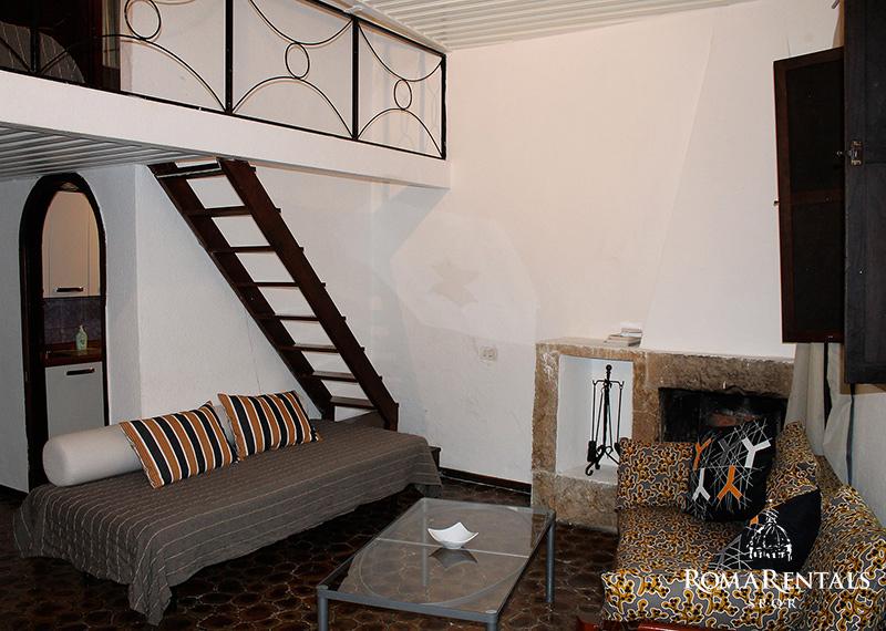 Trastevere fienaroli 83 roma rentals spqr lots of closet space sciox Gallery